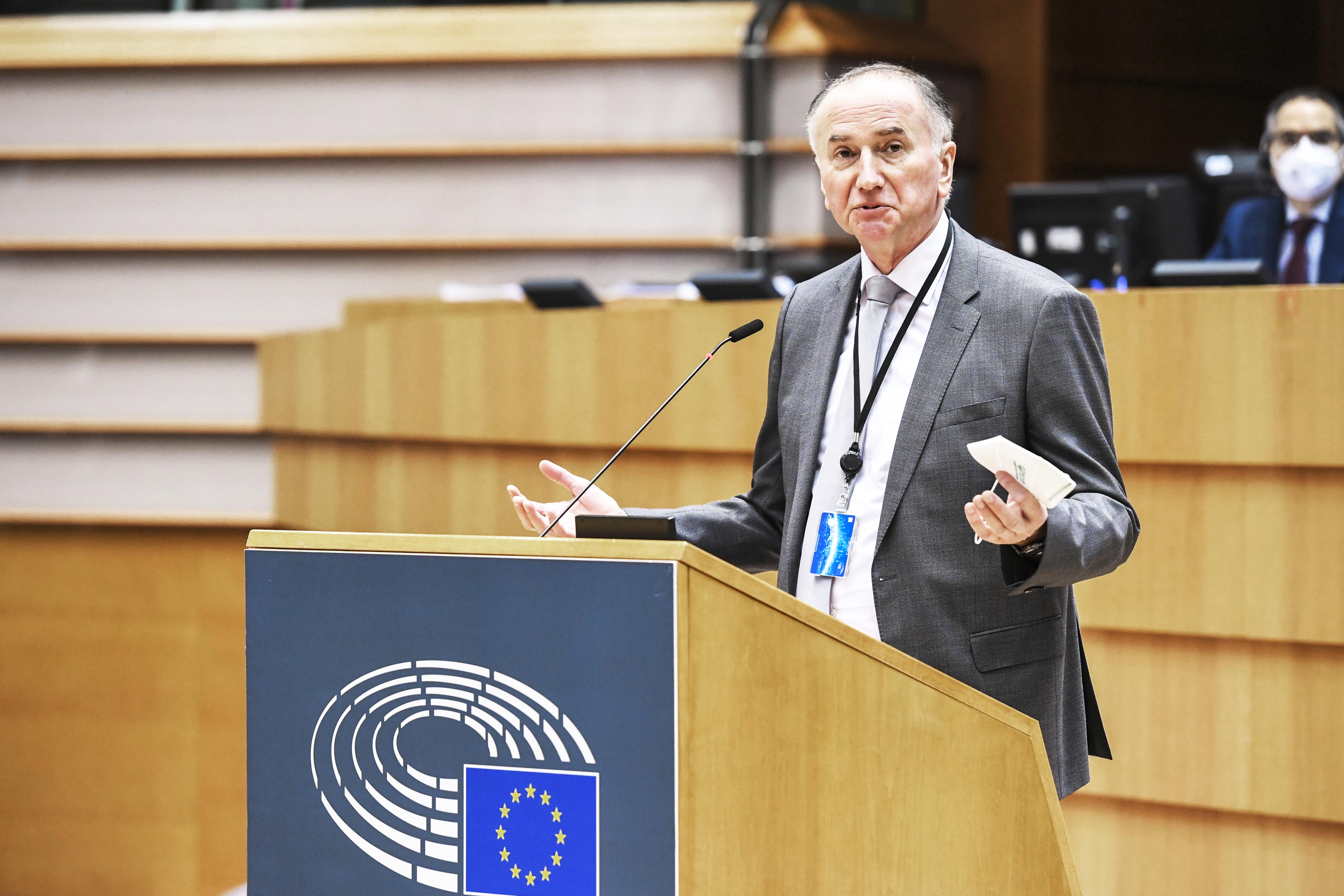 ECR shadow rapporteur Jurzyca welcomes new car insurance rules