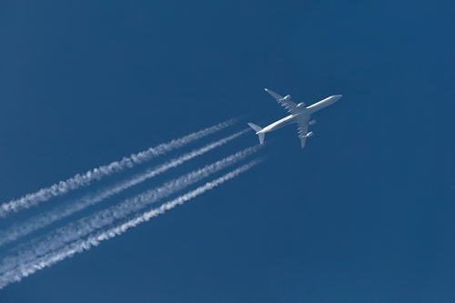 Europe keeps the pressure on international aviation industry to reduce emissions